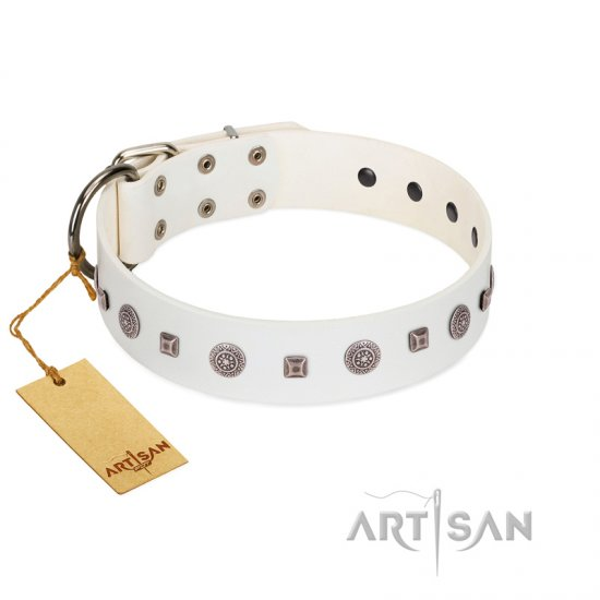 """Drops on Snow"" Handmade FDT Artisan White Leather Boxer Collar Adorned with Silver-Like Studs"