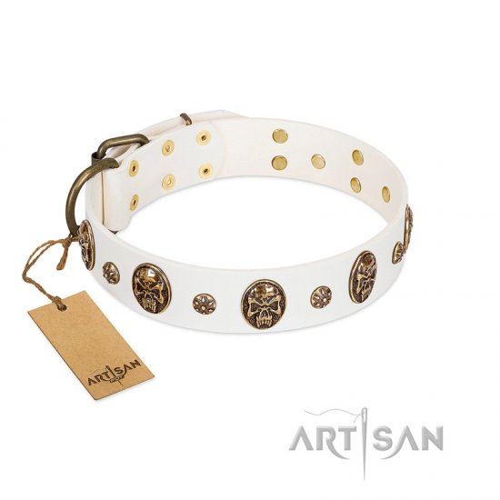 """Magic Bullet"" FDT Artisan White Leather Boxer Collar with Studs and Skulls"