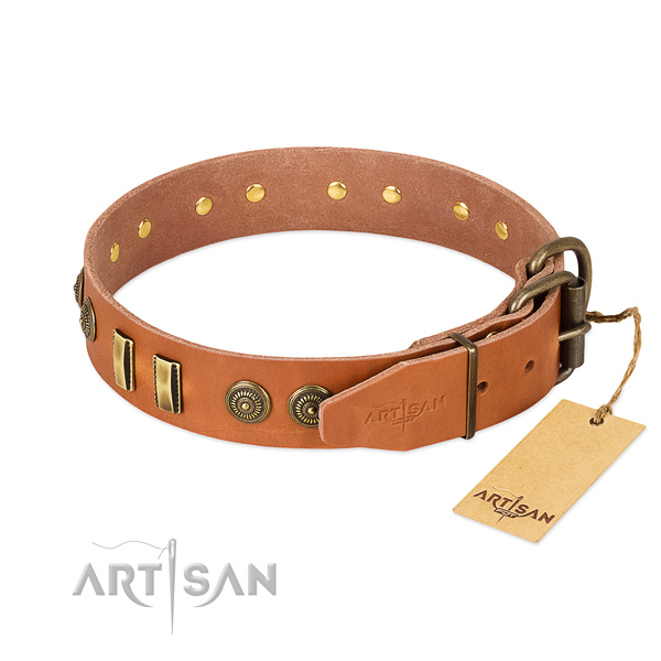 Reliable D-ring on full grain natural leather dog collar for your dog