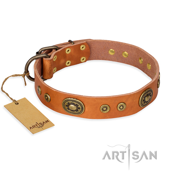 Leather dog collar made of top rate material with rust-proof fittings