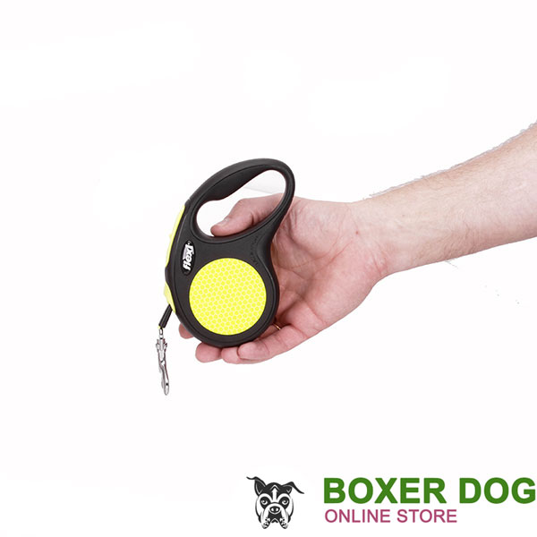 Comfortable Handle on Everyday Dog Retractable Leash