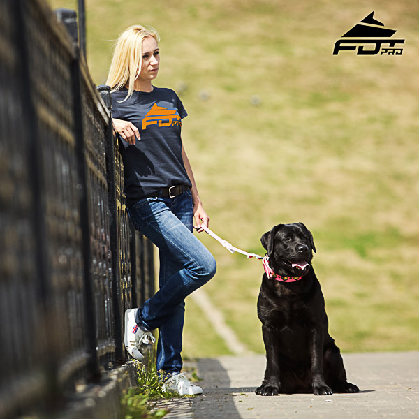 Dog Walking Women T-shirt of Top Quality Cotton