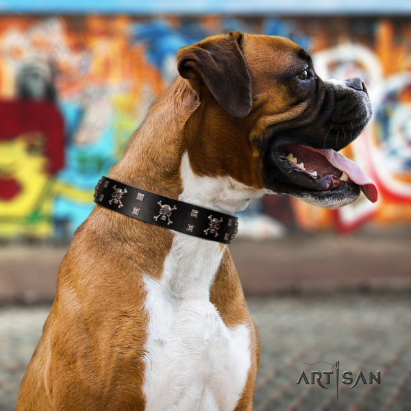 Boxer convenient genuine leather dog collar for easy wearing